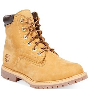 Women's Timberland boots NWT 7